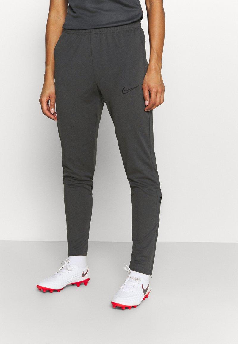 Nike Performance - PANT - Teplákové kalhoty - anthracite/black