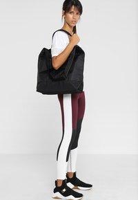 Casall - TOTE BAG - Across body bag - black - 1