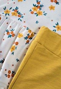 Cigit - SET - Leggings - Trousers - off-white, yellow - 2