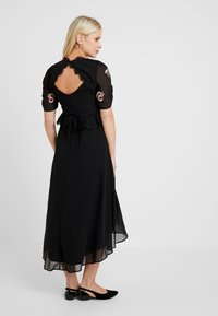 Hope & Ivy Maternity - EMBROIDERED MIDI DRESS - Day dress - black - 2