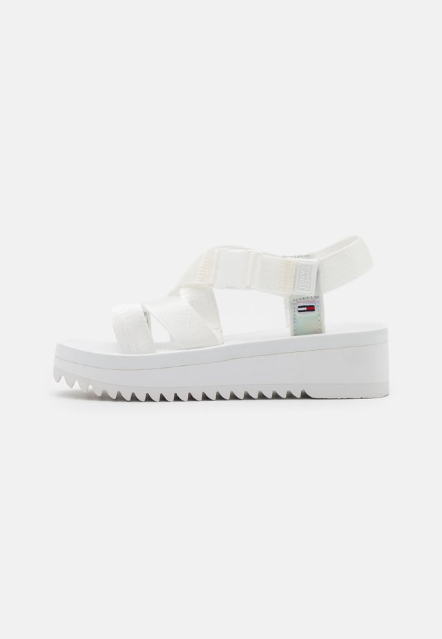 IRIDESCENT STRAPPY - Plateausandaler - white