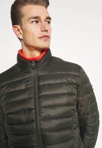 Schott - WILSON 2IN1 - Lehká bunda - khaki/orange - 6