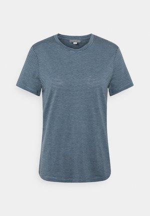 DOWLAS CREWE STRIPE - T-shirts med print - gravel