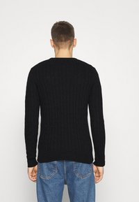 Lyle & Scott - CABLE JUMPER - Jumper - jet black marl - 2