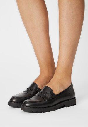 Nazouvací boty - black