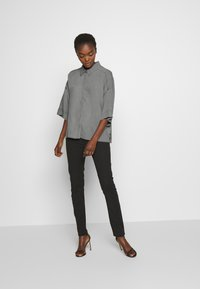 DRYKORN - THERRY - Chemisier - light grey - 1
