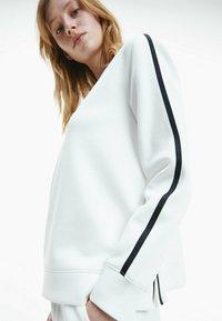 Calvin Klein - Sweatshirt - ecru - 3