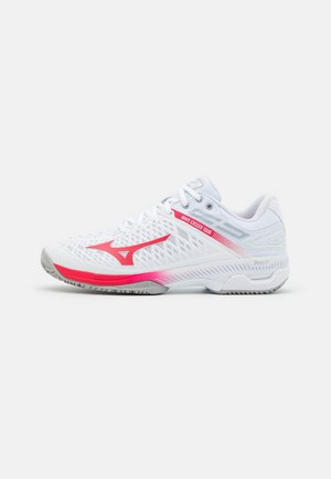 WAVE EXCEED TOUR 4 CC - Tenisové boty na antuku - white/rose red/nimbus cloud