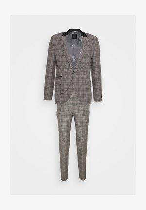 HAWICK SUIT - Suit - grey