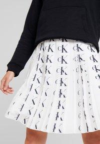 Calvin Klein Jeans - PLEATED SKIRT - A-line skirt - white/black - 3