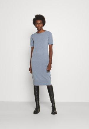 CASH TEE DRESS - Pletené šaty - flint stone