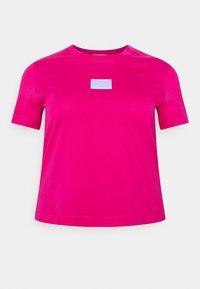 Calvin Klein Jeans Plus - SHINE BADGE TEE - Basic T-shirt - pink - 3