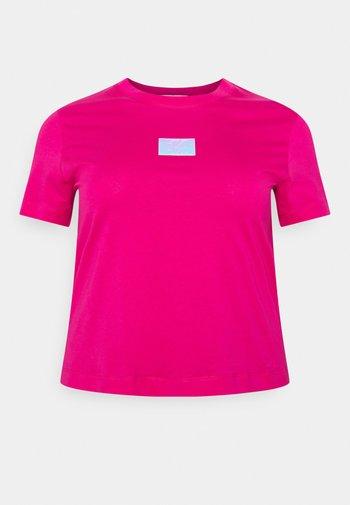 SHINE BADGE TEE - Camiseta básica - pink