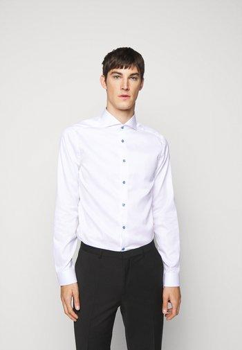 SIGNATURE - Shirt - white