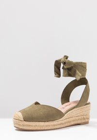 Tamaris - Platform sandals - khaki - 4