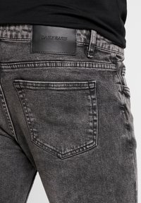 Daily Basis Studios - CAST - Jeans Skinny Fit - grey wash - 3