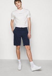 Emporio Armani - BERMUDA - Shorts - dark blue - 3