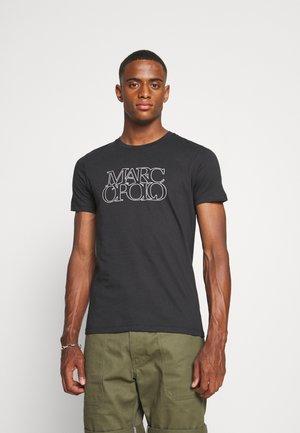 SHORT SLEEVE CREW NECK ARTWORK ON CHEST - Print T-shirt - black