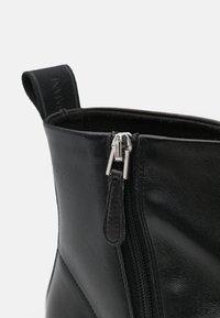Emporio Armani - Classic ankle boots - black - 6
