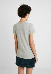 GAP - FOIL TEE - T-shirts med print - light heather grey - 2