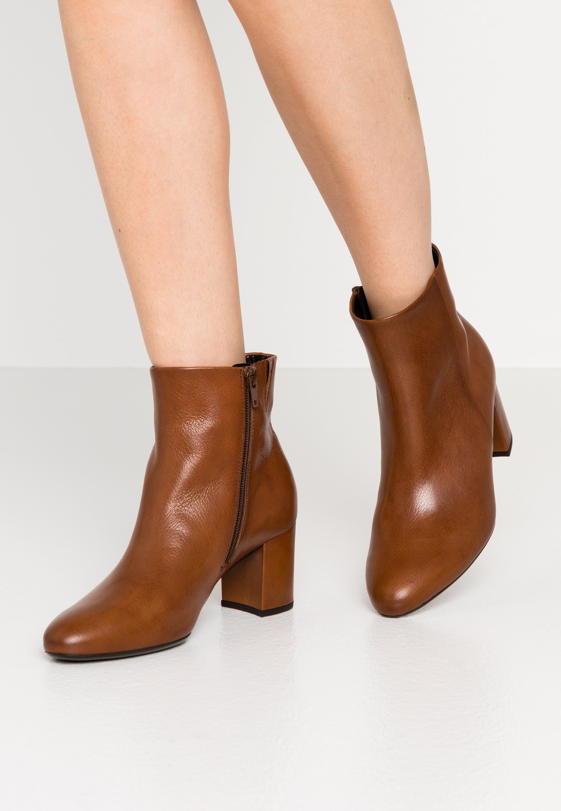 Hyper Online Cheapest Women's Shoes Gabor Classic ankle boots new whsiky X3Pg5sGoR hiVCT24dL