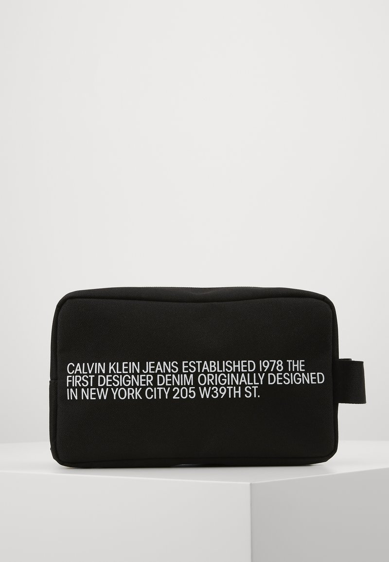Calvin Klein Jeans - WASHBAG - Trousse - black