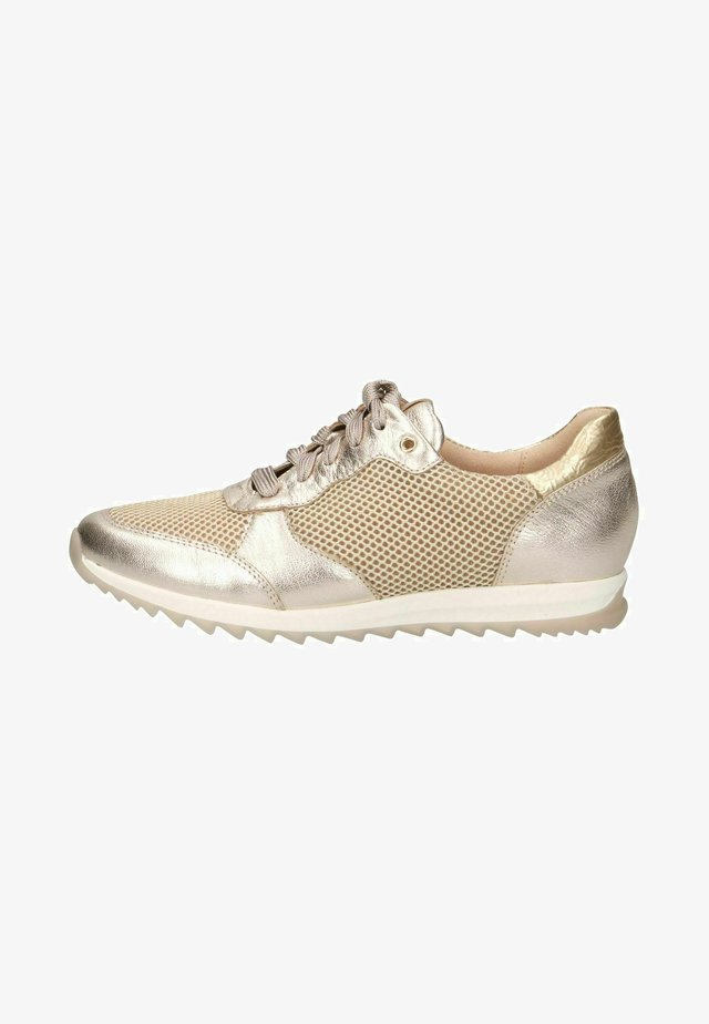 Sneakers laag - platino comb
