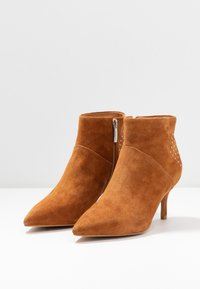 Shoe The Bear - VALENTINESTUD - Ankle boots - tan - 4