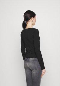 Even&Odd - Langærmede T-shirts - black - 2