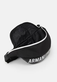 Armani Exchange - MIX CONTRAST WAISTBAG UNISEX - Ledvinka - black/white - 2
