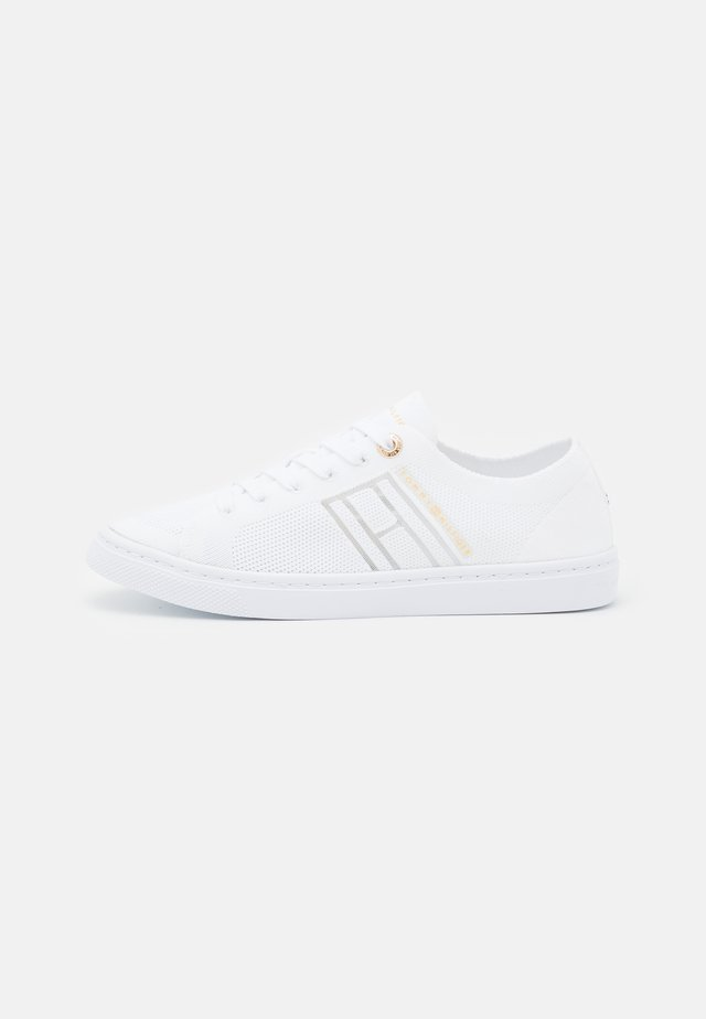 KNITTED LIGHT CUPSOLE - Trainers - white