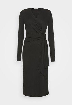 TIE MIDI DRESS - Gebreide jurk - black
