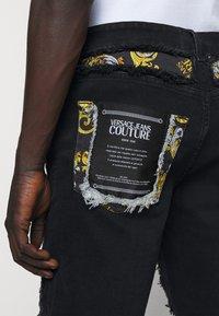 Versace Jeans Couture - Denim shorts - nero - 4