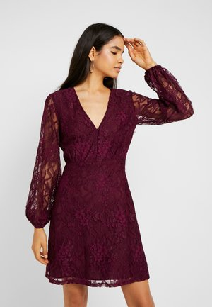 PLUNGE BUTTON FLARE DRESS - Cocktail dress / Party dress - plum