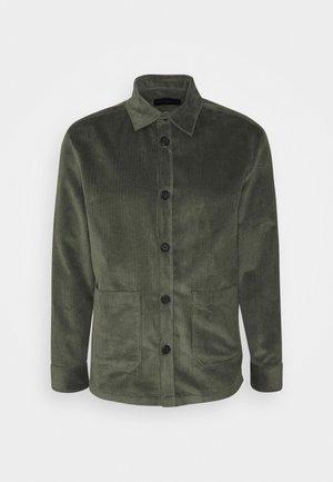 LAWEE - Camisa - grün