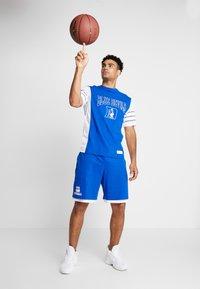 Mitchell & Ness - DUKE BLUE DEVILS SHORT - Sports shorts - royal - 1
