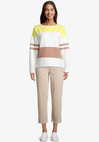 Betty & Co - Sweatshirt - cream/yellow - 1