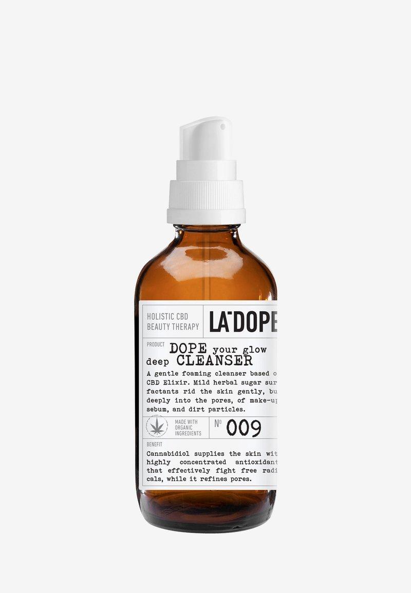 LA DOPE - CBD DEEP CLEANSER 009 - Gezichtsreiniger - -