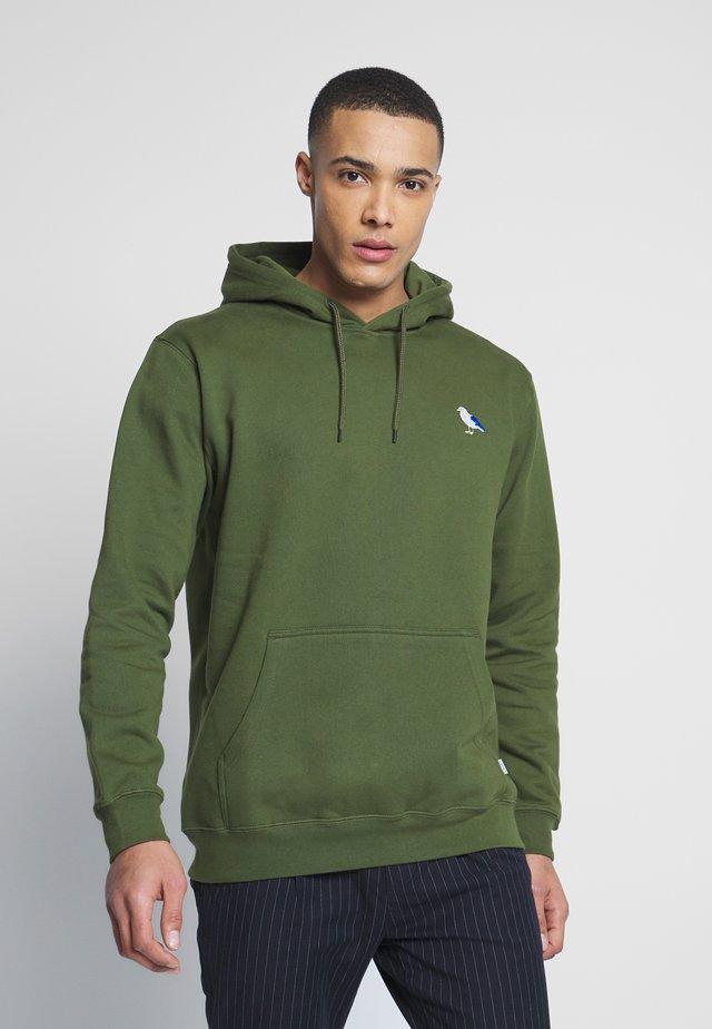 EMBRO GULL - Bluza z kapturem - rifle green