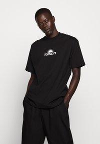 Fiorucci - TEE - Print T-shirt - black - 0