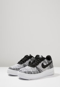 Nike Sportswear - AIR FORCE  - Sports shoes - black/pure platinum/white - 3