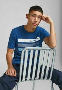 Jack & Jones - Print T-shirt - galaxy blue - 4