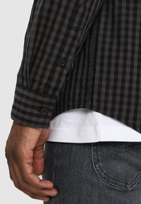 Pier One - Overhemd - dark gray - 3