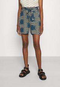 Vero Moda - VMSAGA  - Shorts - birch - 0
