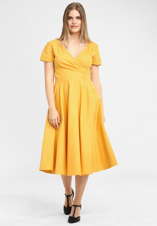 MARIA PLAIN - Day dress - yellow