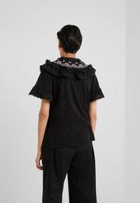 Needle & Thread - EMBELLISHED WREN RUFFLE TEE - T-Shirt print - ballet black - 2