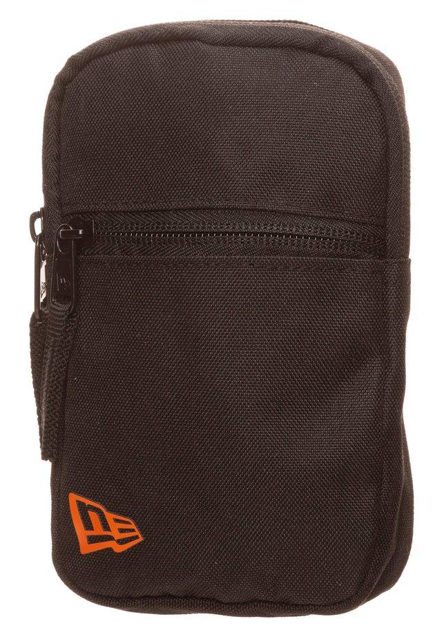 Wallet - black / orange