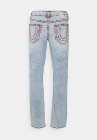 True Religion - ROCCO SUPER T 1/2 - Jeans Straight Leg - light wash - 1