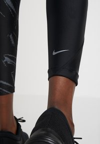 Nike Performance - SPEED - Punčochy - black/silver - 5