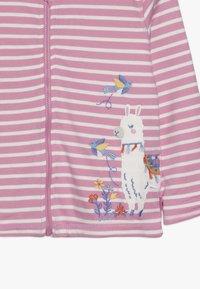 JoJo Maman Bébé - LLAMA REVERSIBLE HOODIE - veste en sweat zippée - rosa - 4